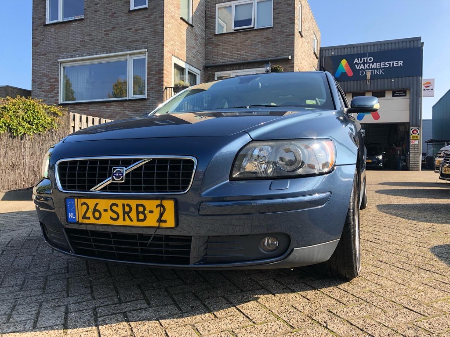Volvo-S40-2